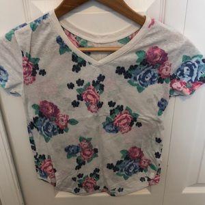 Girls size 10 floral V-neck T-shirt.